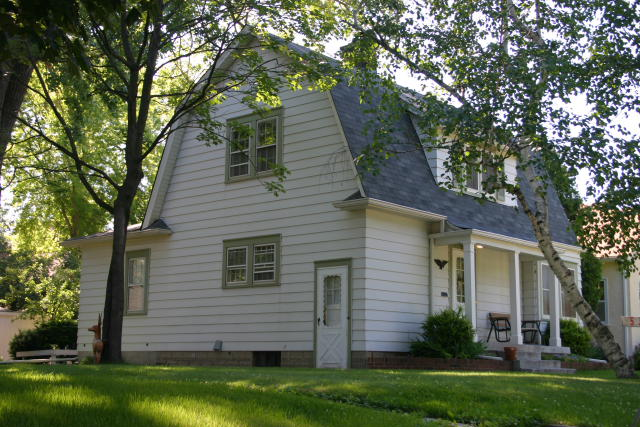 Colonial Houses Of Minneapolis